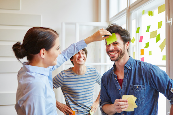 20 icebreaker games for work that are flexible and scalable