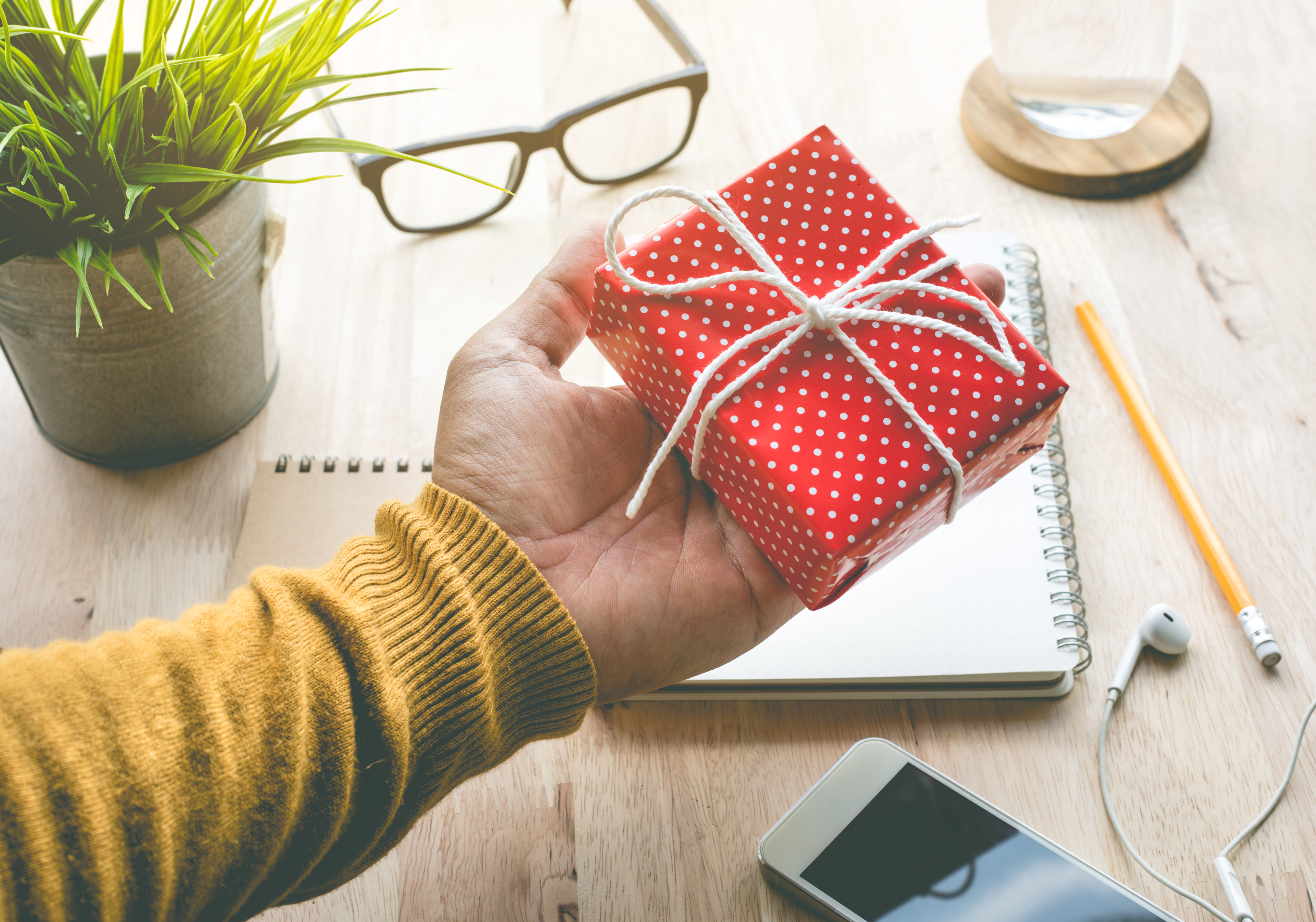 8 ways to meaningfully celebrate employee appreciation day
