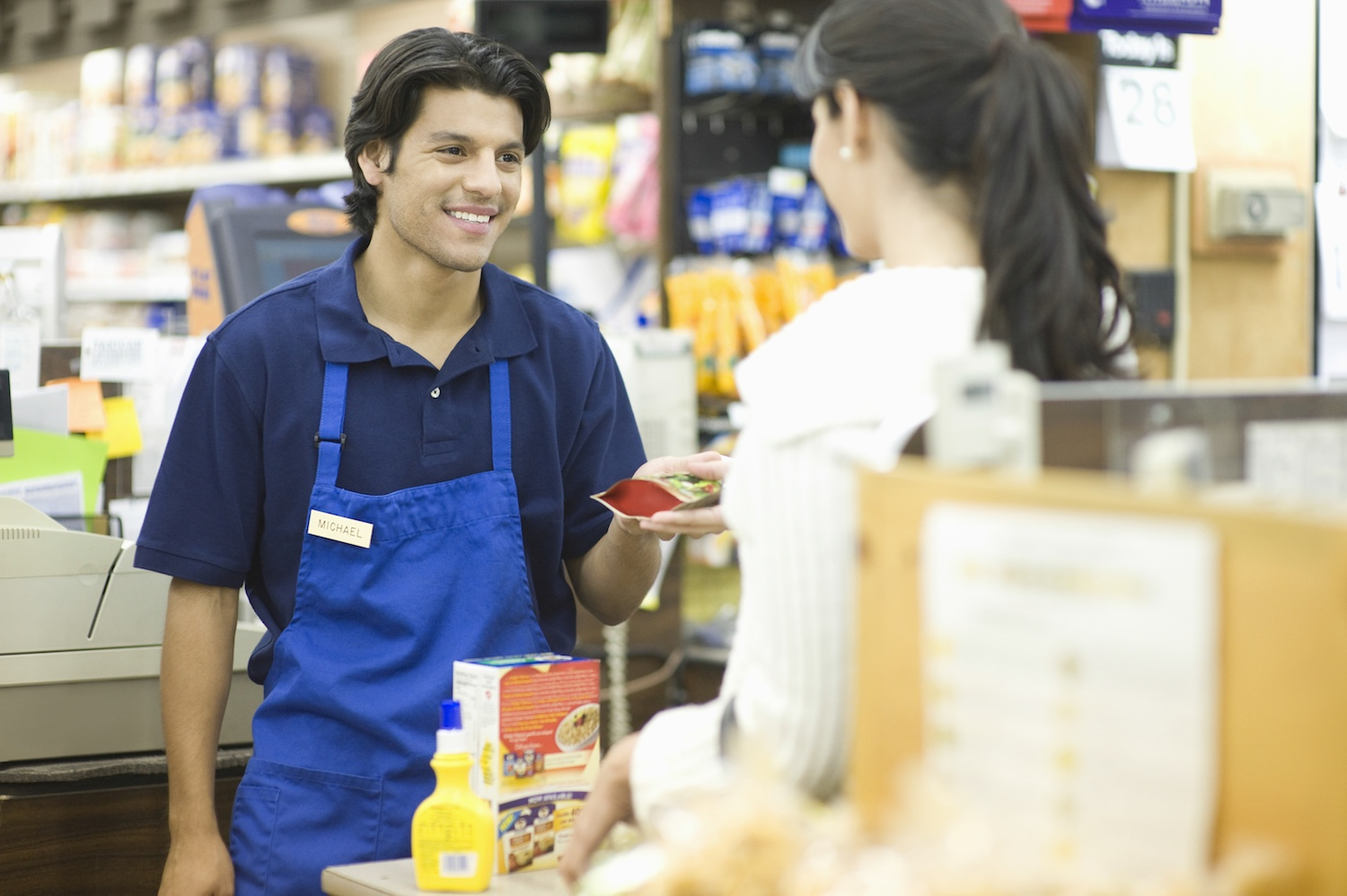 6 things retail employees are trying to tell you